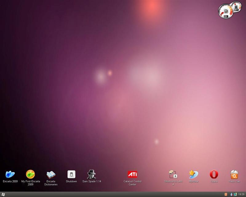 Image of desktop with Ubuntu Skin Pack installed.